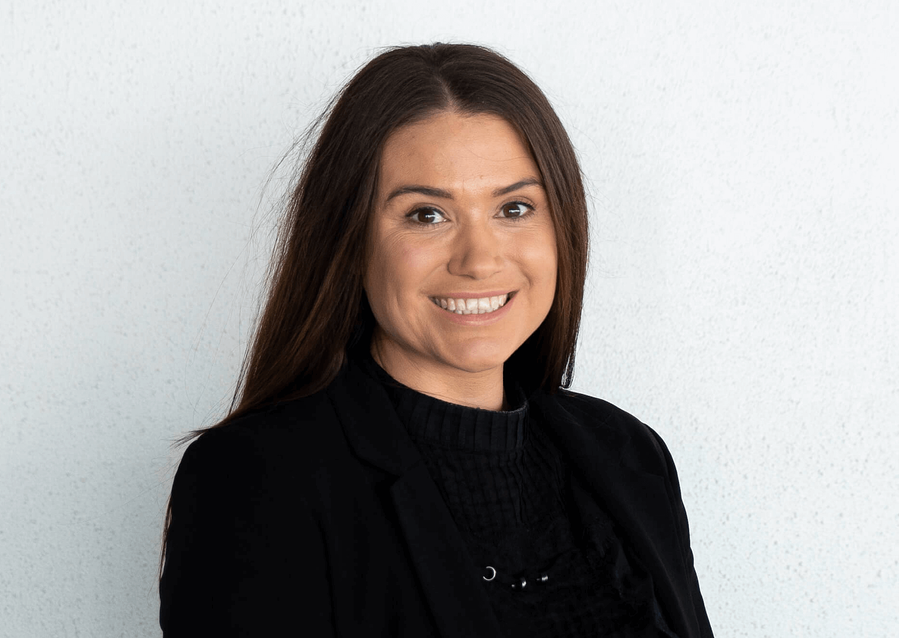 Laura Crombie is a marketing manager for V86